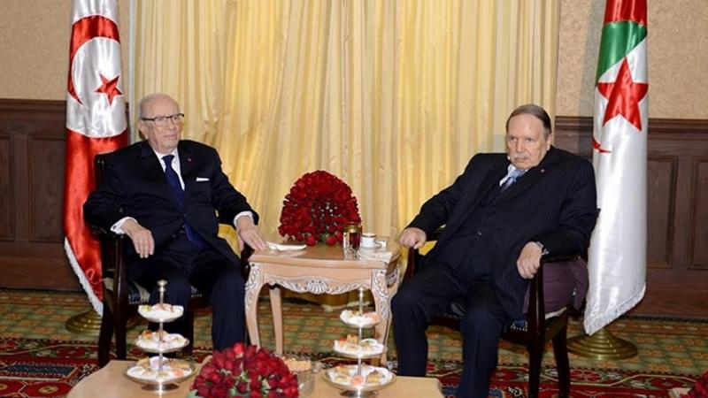 بوتفليقة يراسل السبسي وقادة دول المغرب العربي
