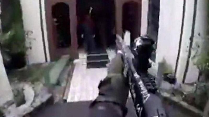 الإرهابي مطلق النار على مصلين في نيوزيلندا صوّر بثا مباشرا على فايسبوك