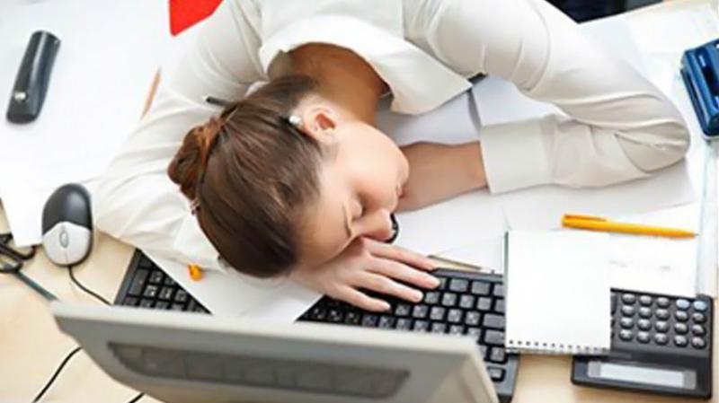في اليوم العالمي للنوم: وللموظفين حقّ في ذلك
