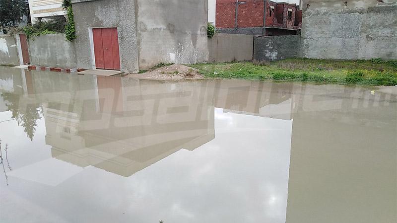 جندوبة: الحماية تواصل شفط مياه الأمطار من المنازل والأهالي مستاؤون
