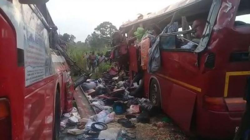 مقتل 60 شخصا على الأقل في اصطدام حافلتين بغانا