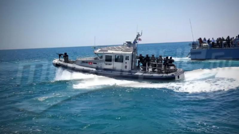 بني خيار: جيش البحر يمشّط بحثا عن جثة بحار إنقلب قاربه منذ أيام