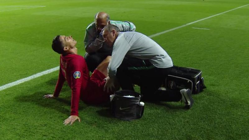 كريستيانو رونالدو يتعرّض لإصابة ويغادر المباراة
