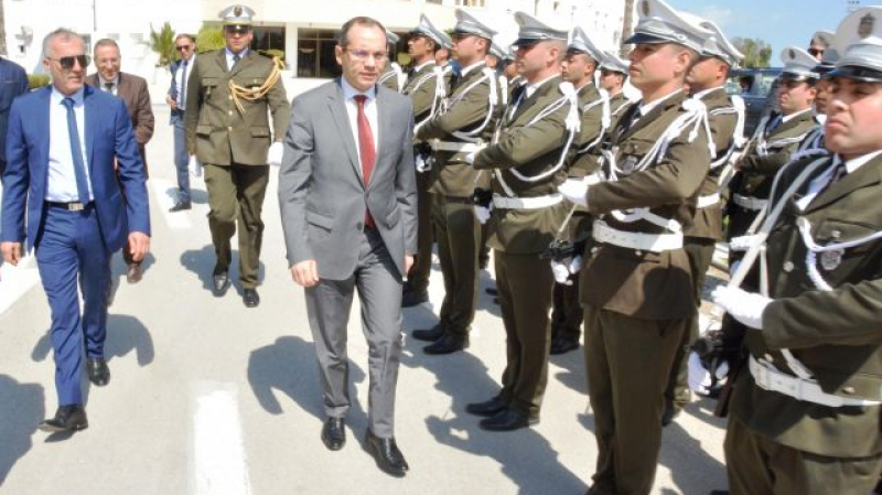 وزير الداخلية يكرّم أبطال عملية ''حاسي الفريد''