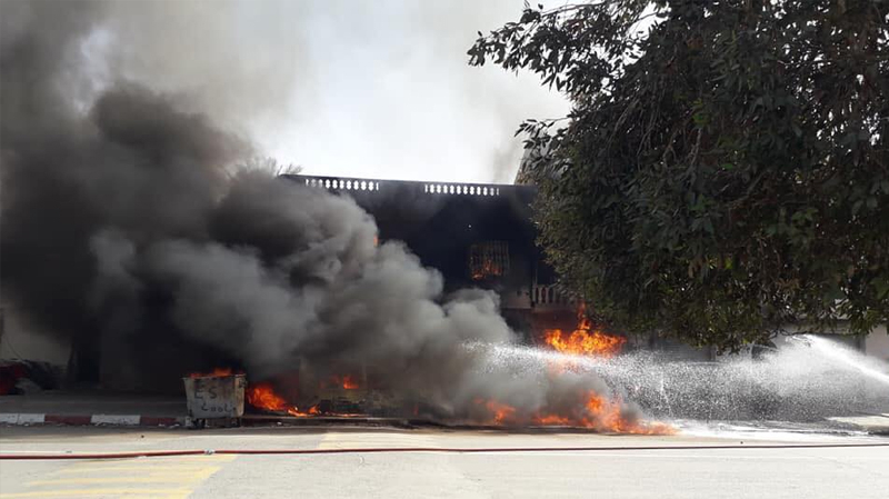 قبلي: حريق في مخزن بنزين مهرب يتسبب في خسائر فادحة