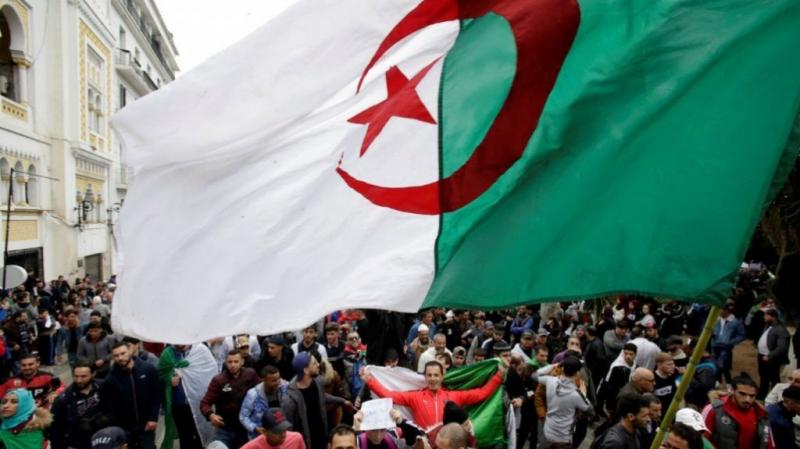 الجزائر: رؤساء بلديات يرفضون الإشراف على الرئاسيات