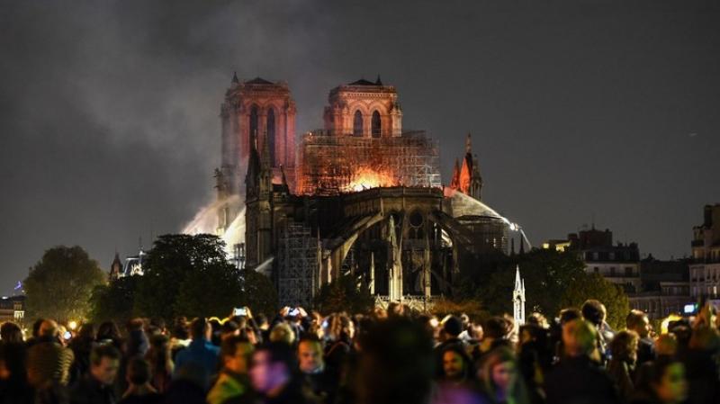 وزير فرنسي: ''إنقاذ الكاتدرائية ليس أمرا مؤكدا''