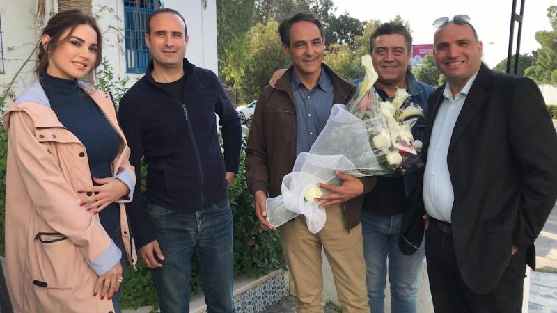أسرة المسلسل الرمضاني المايسترو تكرم الممثل أحمد الحفيان
