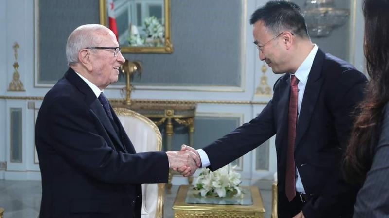 نائب رئيس شركة هواوي يلتقي رئيس الجمهورية وعددا من الوزراء