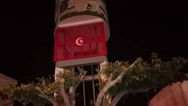 علم تركيا في لافتة إشهارية: رئيس بلدية  دار علوش يوضح