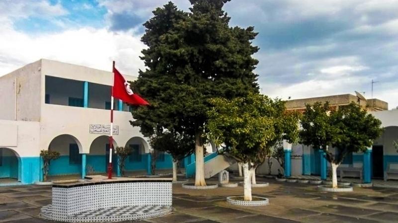 منوبة: نقابة الأساسي تهدد بإضراب مفتوح بسبب إهانة مدير لمدرسين