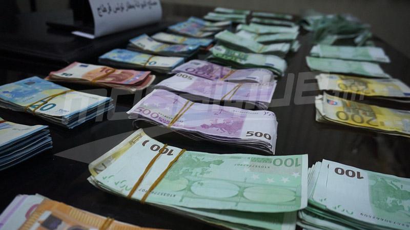 حجز 100 ألف أورو بحوزة جزائري متجه نحو تركيا