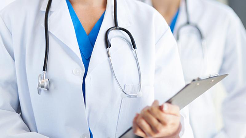انتداب أطباء وصيادلة للعمل بالمؤسسات الصحيّة