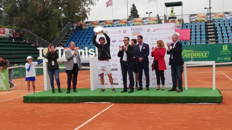 الأورغواياني بابلو تشيفاس بطل دورة تونس المفتوحة للتنس