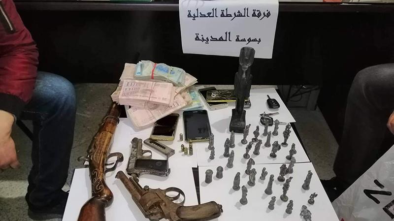 المنستير: حجز أسلحة قديمة وقطع أثرية في منزل تكفيري