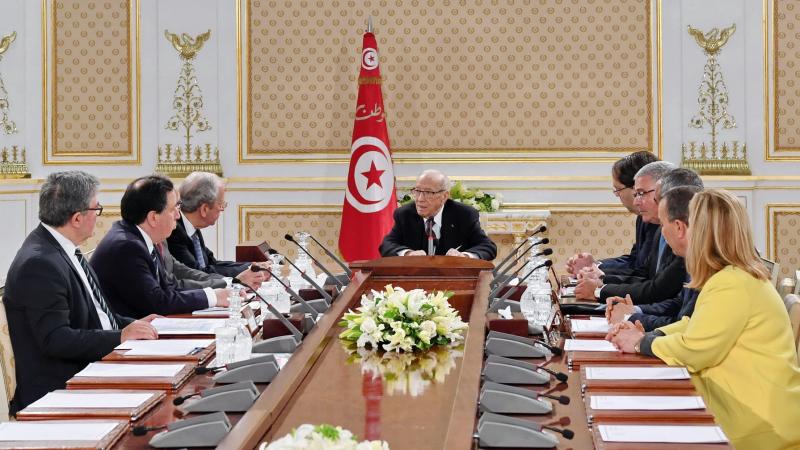 مجلس الأمن القومي يدعو التونسيين إلى رصّ الصفوف