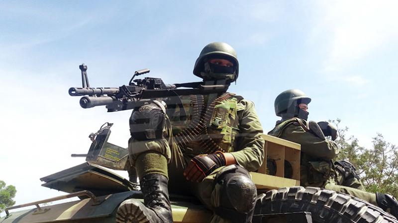 القوات العسكرية تتمكن من القضاء على إرهابي في الكاف
