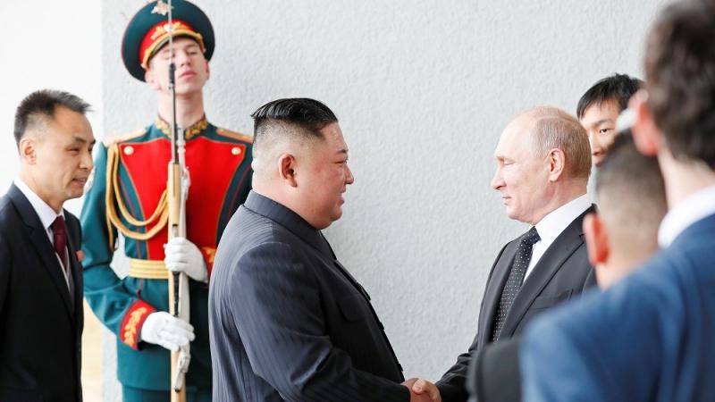 أول لقاء يجمع بوتين بكيم جونغ أون