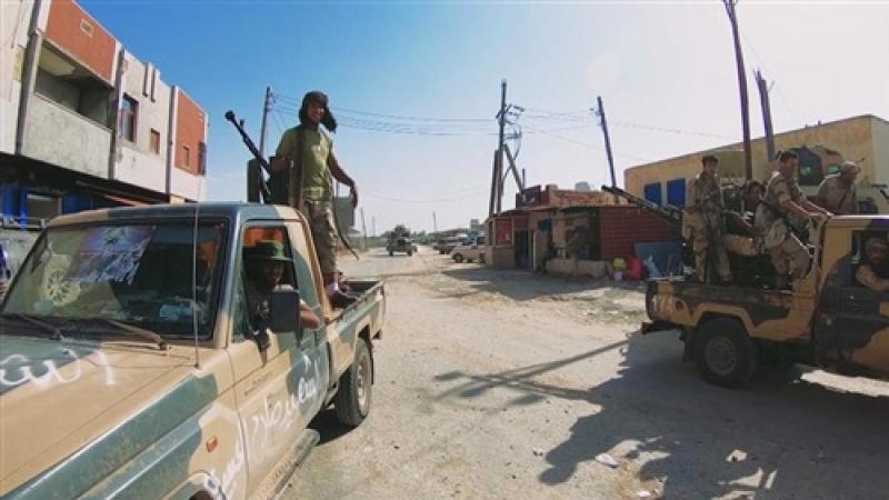 الصليب الأحمر: أحياء طرابلس 'تتحول إلى ساحات قتال'