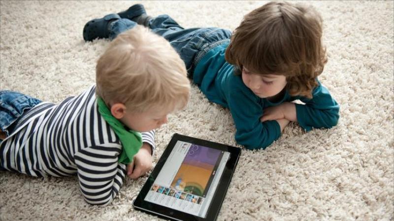 الأطفال والشاشات الرقمية: منظمة الصحة العالمية تحذّر