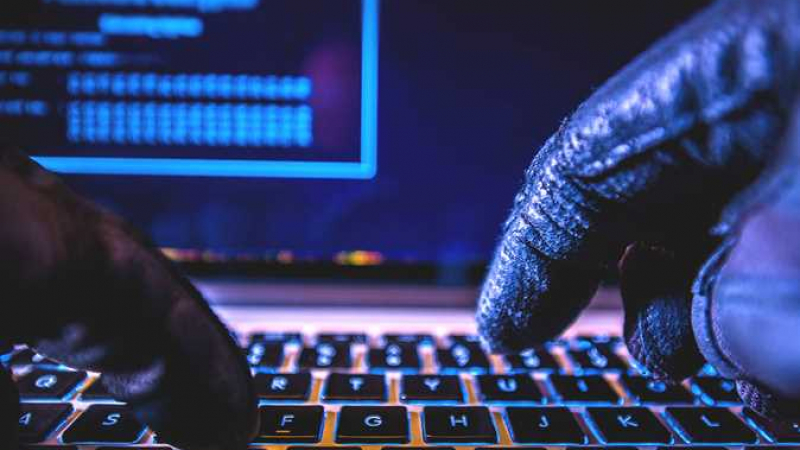 هجوم إلكتروني