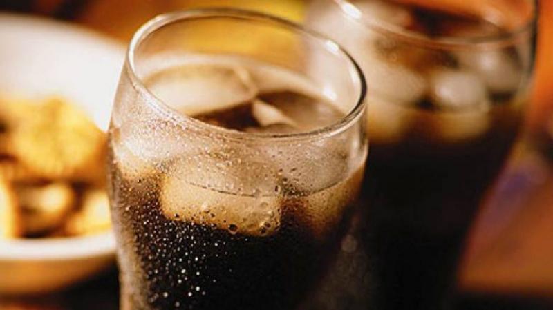 ماذا يحدث إذا تناولت المشروبات الغازية على الإفطار؟