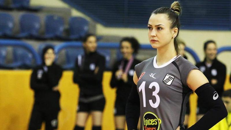 الكرة الطائرة :سيدات النادي الصفاقسي يحرزن البطولة