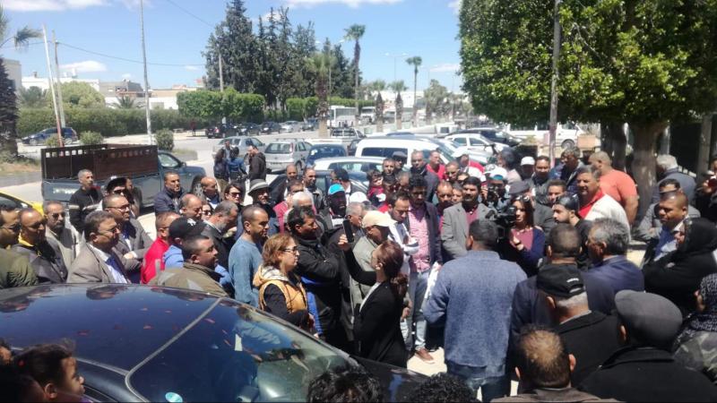 خلف القضبان بسبب تدوينة:وقفة مساندة لجريح الرش أيمن البهلي
