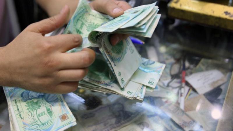 كاتب عام جامعة البنوك: مشكل السيولة قائم رغم نفي محافظ البنك المركزي