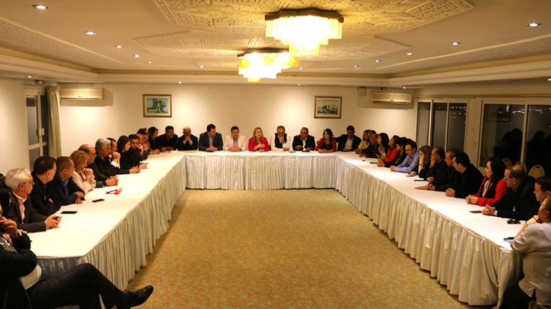 مشاورات بين نداء تونس ومشروع تونس لخوض الانتخابات بصفة موحدة