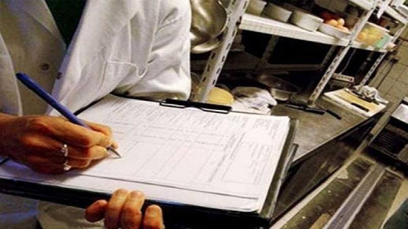 فرق المراقبة الصحية تقترح إغلاق 103 محلات بسبب اخلالات بشروط حفظ الصحة