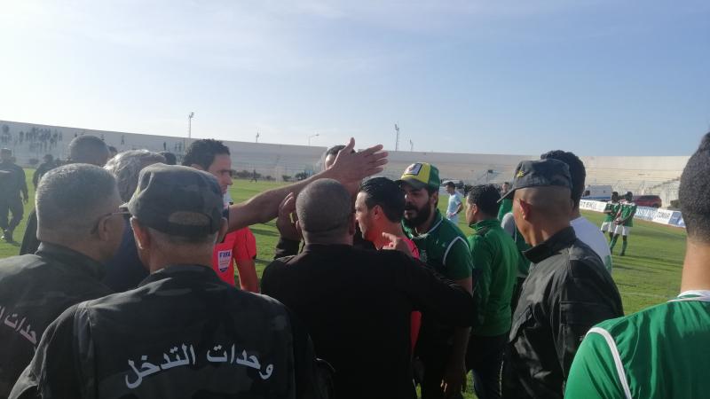 نعيم حسني يوقف مقابلة الستيدة واتحاد بنقردان