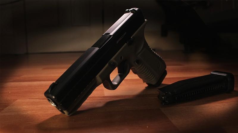 الجزائر: الشروع في سحب الأسلحة الشخصية من المسؤولين