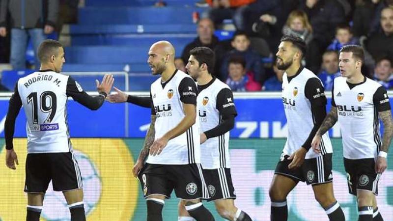 فالنسيا يفوز على برشلونة ويحرزكأس ملك إسبانيا