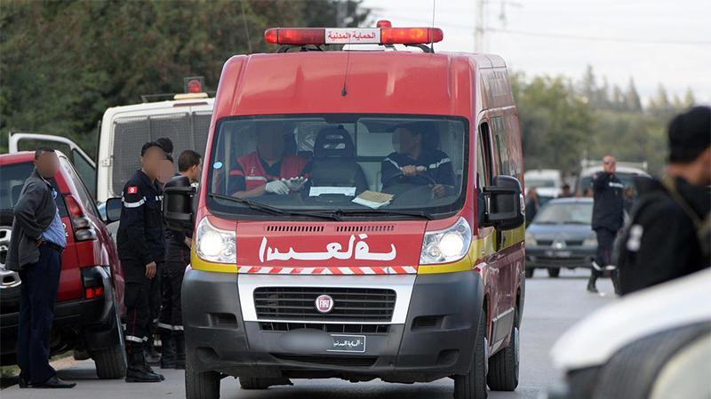''براكاج'' لسيارة إسعاف والاعتداء على طاقمها