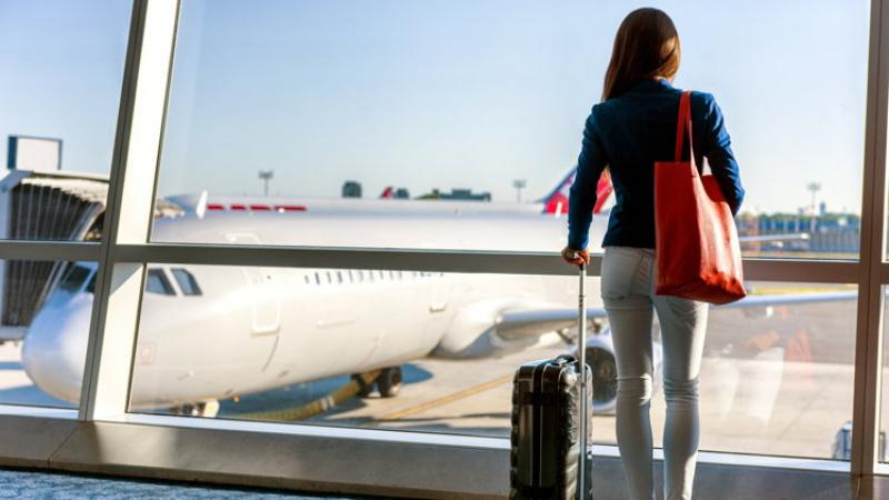 بطاقات دولية لفئات متنوعة ومركز حجز عن بعد لتسهيل السفر عبر العالم