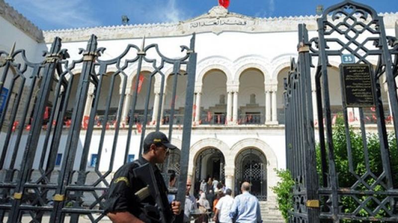 قضية إغتيال بلعيد: أحد المتهمين يصاب بالإغماء في المحكمة