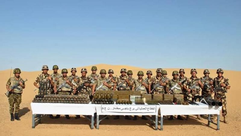 الجيش الجزائري يعثر على مخبأ أسلحة يحوي قاعدتي إطلاق صواريخ
