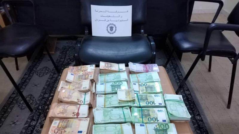 بن قردان:إحباط محاولة تهريب مبلغ 223 ألف أورو