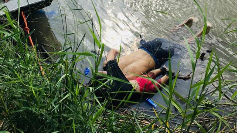 صورة بألف كلمة.. إلى متى يموت اللاجئون بهذه البشاعة؟