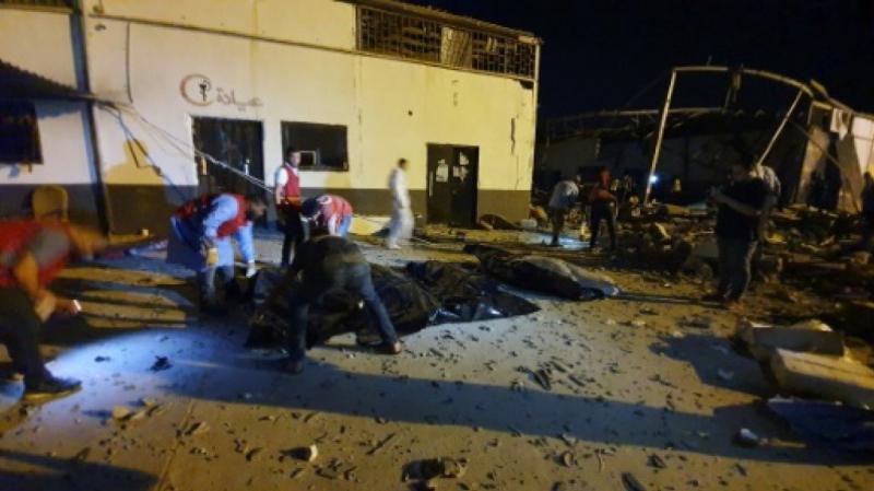 قنصلية المغرب بتونس:مقتل 7 مغاربة في قصف مركزاحتجاز المهاجرين بطرابلس