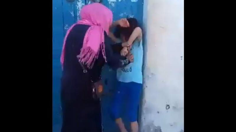 منزل تميم:حالة إمرأة عنّفت طفلة أمام المارّة على أنظار القضاء