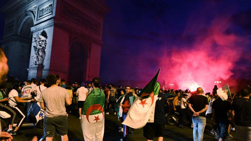 فرنسا: إيقاف 282 شخصا بعد 'أحداث' تأهل الجزائر