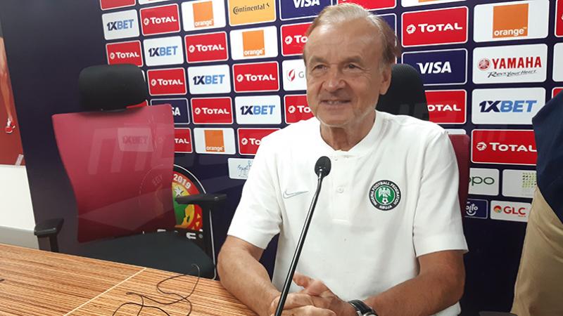 مدرب نيجيريا: تونس أفضل منا ويسعدنا كثيرا الفوز عليها