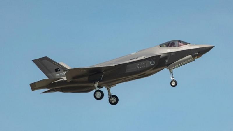 الولايات المتحدة تستبعد تركيا من برنامج الطائرة المقاتلة إف-35