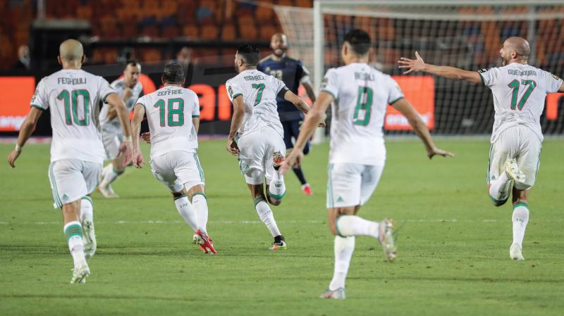 اتّحاد الكرة الجزائري يتعهد بتوزيع جائزة الكاف على اللاعبين