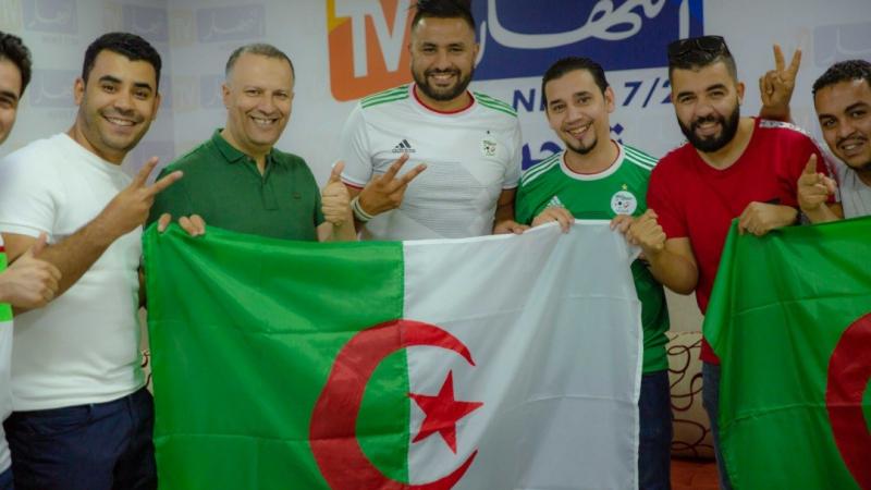 الصحفيون الجزائريون بقميص الخضر