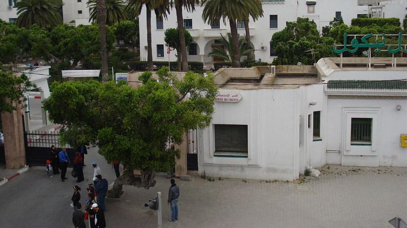 وزارة الصحة تنفيغلق قسم طب الولدان والرضع بمستشفى شارل نيكول