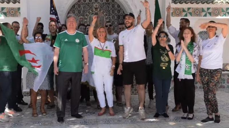 سفير أمريكا وزوجته يرقصان من أجل الجزائر
