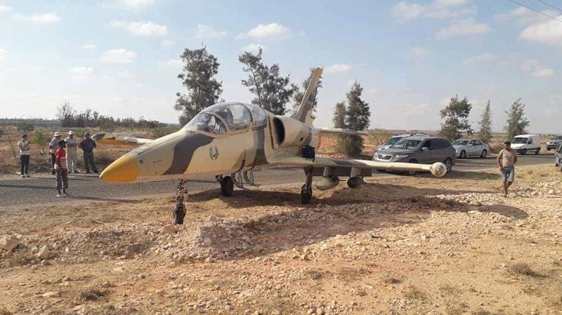هبوط الطائرة الحربية الليبية: اضطرار أم هروب؟
